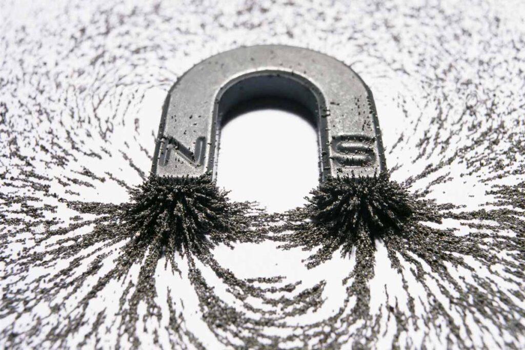 Co przyciąga magnes neodymowy?